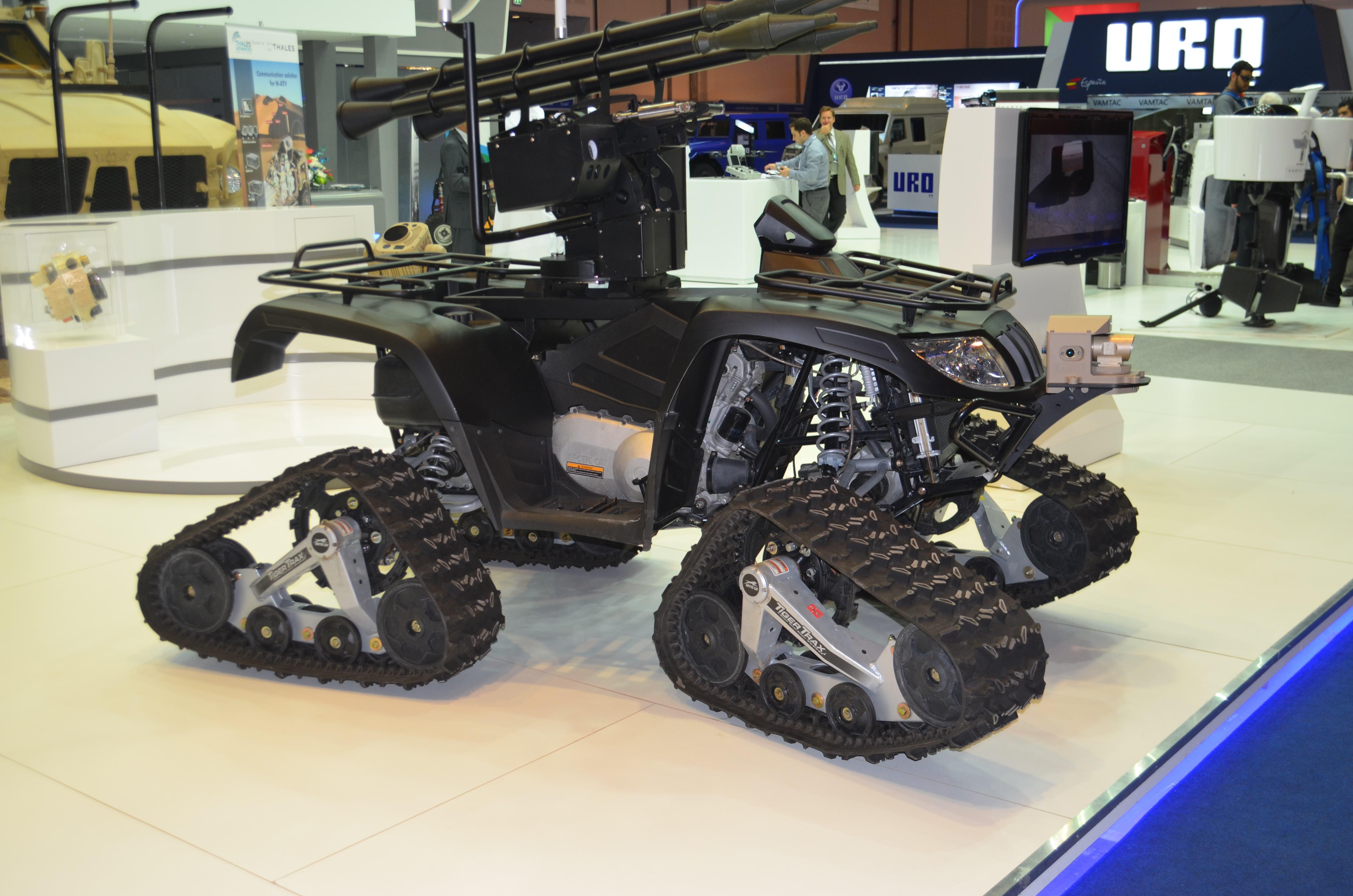 Autonomes unbemanntes Waffensystem der Firma EARTH (UAE) | Bild (Ausschnitt): © Facing Finance