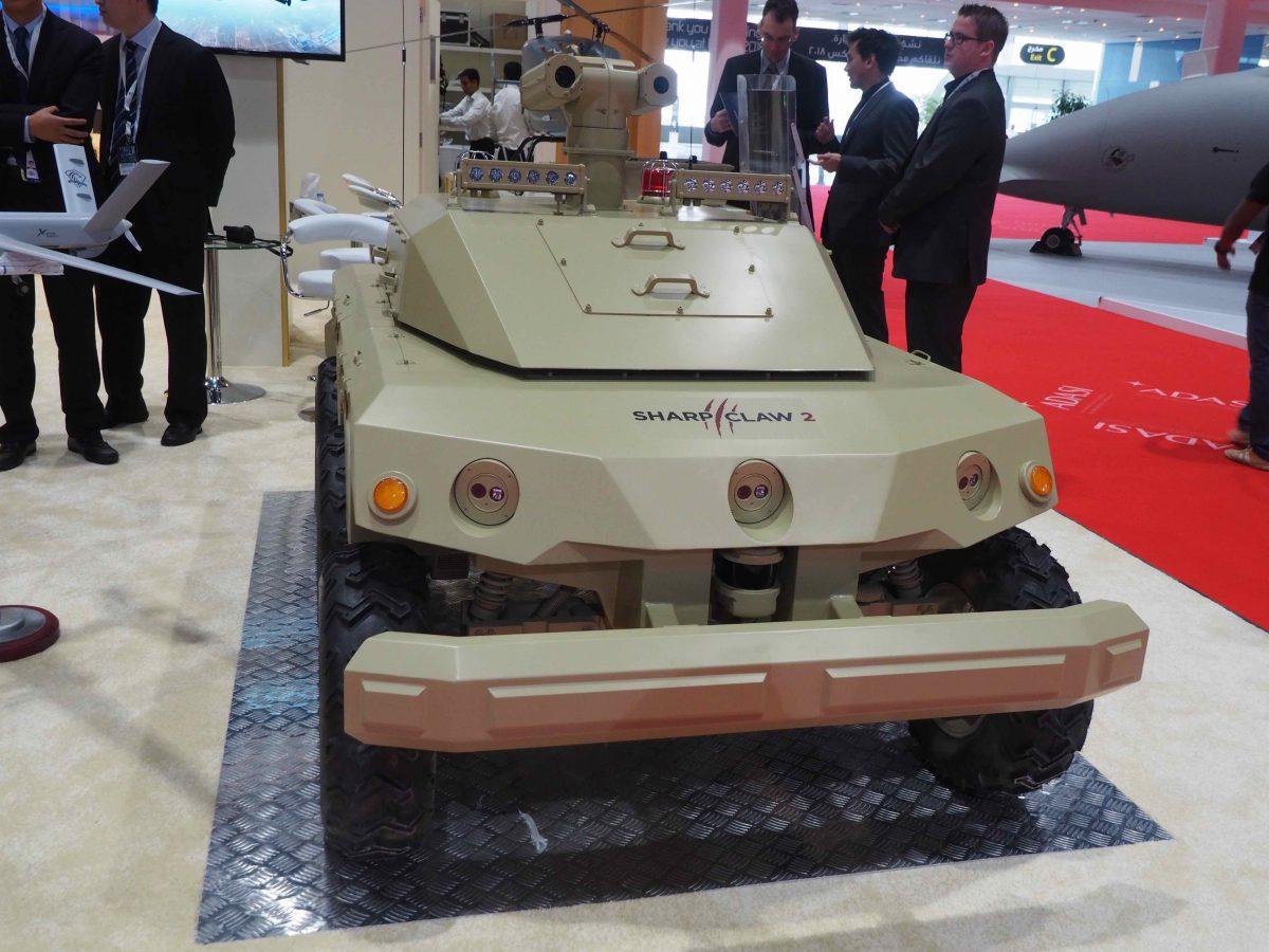 Unbemannter Kampfroboterwagen des chinesischen Herstellers NORINCO, der auch autonom operieren kann. | Bild (Ausschnitt): © Copyright Facing Finance 2016